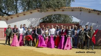 Final del III Taller de Tauromaquia de Badajoz en la ganaderia Peñablanca