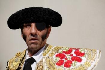 Padilla no Colete Encarnado em Vila Franca