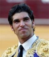 Matador Cayetano Ordoñez, conquista Troféu em Ronda