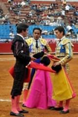 Arturo Saldívar, triunfa em Guadalajara