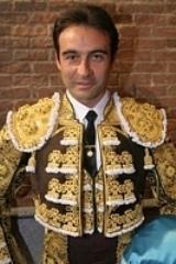 Enrique Ponce conquista Troféus em Quito e Lima