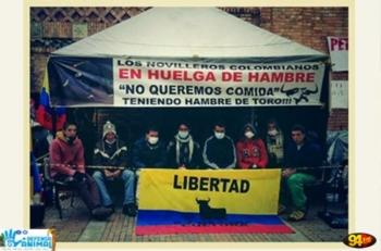 Concentração para a abertura da Praça de Touros de Bogotá